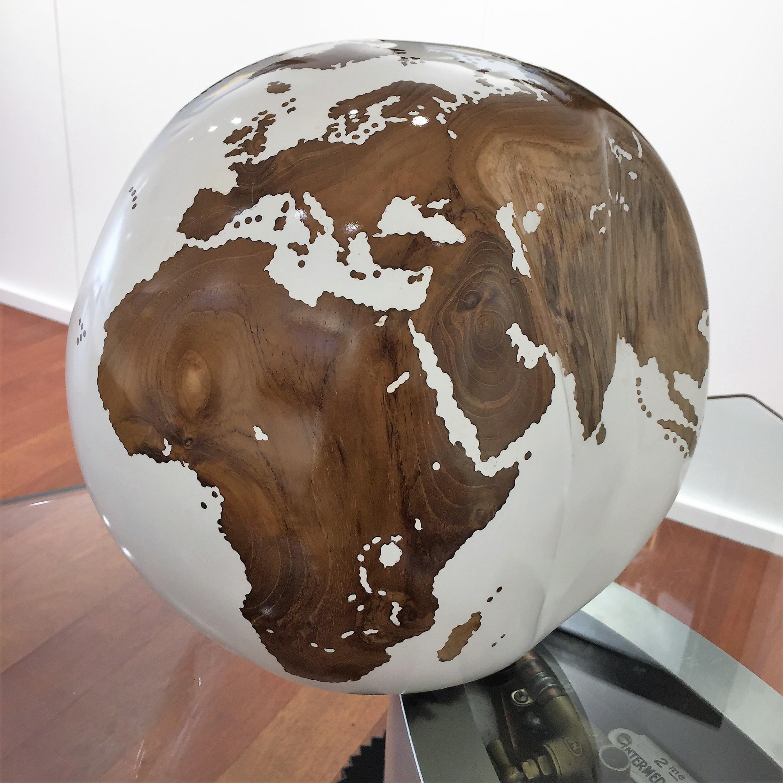 Bruno Helgen, Globe white, 2017, £1900, wood, original, Galerie Artima
