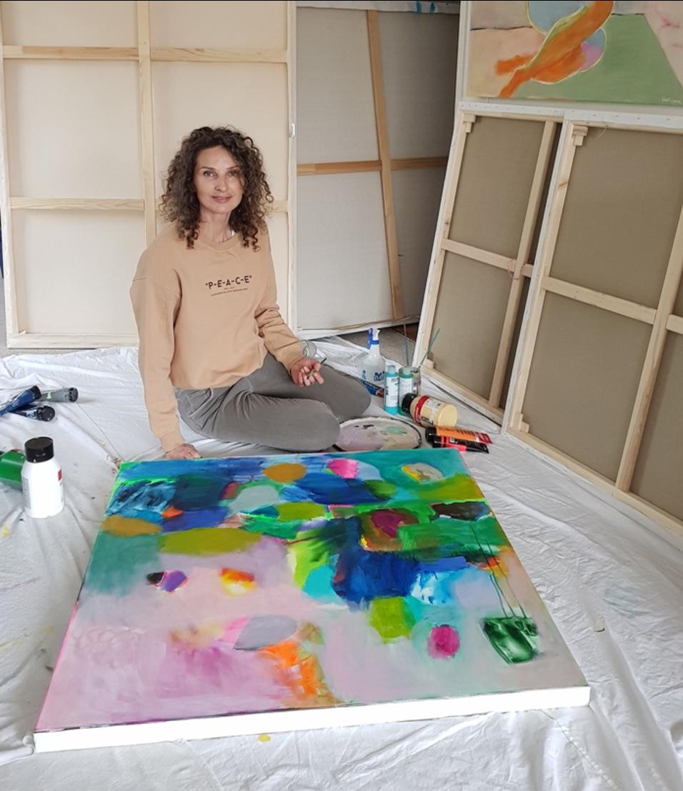 Wioletta Gancarz artist in studio